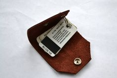 Very practical! Leather case keychain for loyalty shopping cards