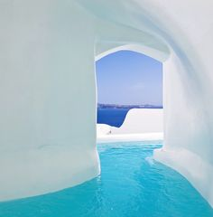 This pool goes from the room to the balcony. Santorini, Greece. #Jetsetter