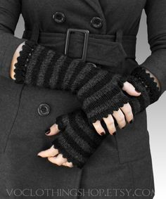 Loving the fingerless gloves! <3