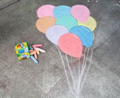 3 Sidewalk Chalk Ideas That Are Totally Selfie-Worthy Chalk Art Chalk chalk art ideas Ideas SelfieWorthy Sidewalk Totally Easy Chalk Drawings, Fred Instagram, Chalk Design, Sidewalk Chalk Art, Chalk Wall, 3d Chalk Art, Art For Kids, Chalk Ideas, Art Ideas