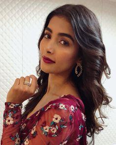 Indian Tv Actress, Indian Bollywood Actress, Bollywood Girls, Indian Actresses, Indian Women Painting, Girl Number For Friendship, Senior Girl Poses, Most Beautiful Indian Actress, Indian Celebrities