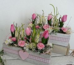Decorative objects - Spring arrangement of Bellis tulips in a cement bowl - a designer piece . - Decorative objects – Spring arrangement of tulips Bellis in cement bowl – a designer piece by d - Easter Flower Arrangements, Floral Arrangements, Valentines Day Decorations, Flower Boxes, Floral Bouquets, Holidays And Events, Easter Crafts, Tea Lights, Tulips