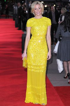 Heavens to Betsy, Elizabeth Banks looks lovely in this sparkly yellow Bill Blass (a million apologies for the pun). (TLo)