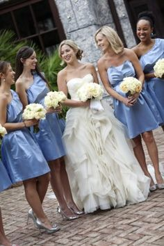 White and blur wedding, I don't really like the dresses or the color of the white dress..but white and blue!