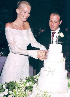 Claudia Schiffer and Matthew Vaughn Celebrity Wedding Photos, Celebrity Wedding Dresses, Wedding Pics, Celebrity Weddings, Wedding Styles, Claudia Schiffer, Bridal Gowns, Wedding Gowns, Famous Wedding Dresses
