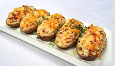 Appehtite - Twice Baked Bacon and Cheddar Potatoes Cheddar Potatoes, Bacon Potato, Cheese Potatoes, Side Recipes, Low Carb Recipes, Cooking Recipes, Bacon Pie, Confort Food, Healthy Superbowl Snacks