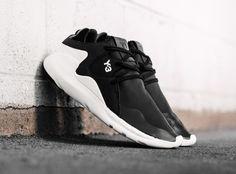 Y-3 QR Run Black White - Sneaker Bar Detroit