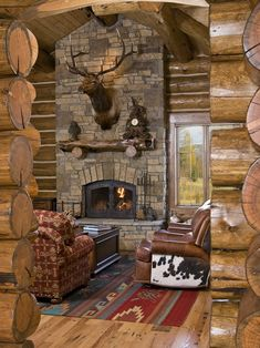 Grand log home, living it up cowboy style!