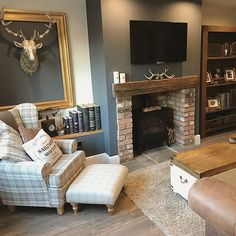elegant fireplace makeover for farmhouse home deco Home Living Room, Farm House Living Room, Living Room Color, Snug Room, Living Room Diy, Log Burner Living Room, Cottage Living Rooms, Cosy Living Room, Country Living Room