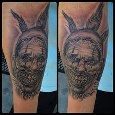 Here's the pix from the portrait I did of twisty the clown yesterday