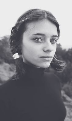 The almost Amish girl / Portrait  André Gonçalves  Portugal / Funchal  http://STRKNG.com/photographer-andr%c3%a9+gon%c3%a7alves.547e4172b9e8f30422qbomw2hg547e4172b9eeb.html    #Portrait #Portugal #Funchal #bestof #international #contemporary #photography #strkng #strkng_stream