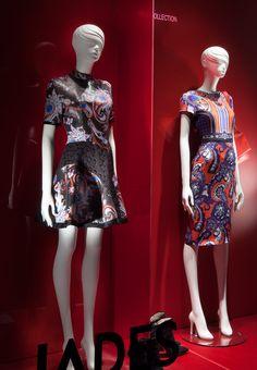Colors of the FW15 Season at JADES | Store: JADES / Heinrich-Heine-Allee 53 / 40213 Düsseldorf | Address: Königsallee 82, 40212 Düsseldorf | Concept & Realisation: Domagoj Mrsic / Sayonara Visual Concepts | Concept Title: Fashion color shadows | Mannequins: GENESIS MANNEQUINS, range: Silhouette | Photos: Uschi Fellner