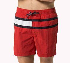 ENVÍO 24-48h - Ropa de baño de Tommy Hilfiger para hombre tipo bermuda, con bolsillos en los laterales y el de la parte trasera cerrado con velcro. #bañadores http://www.varelaintimo.com/78-banadores