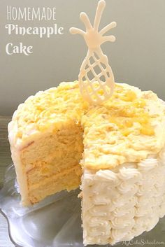 This Homemade Pineapple Cake Recipe is amazing! Moist yellow cake layers with Pineapple & Cream Filling and Cream Cheese Frosting! ~ My Cake School Just Desserts, Delicious Desserts, Dessert Recipes, Yellow Desserts, Moist Yellow Cakes, Pink Cakes, Weight Watcher Desserts, Low Carb Dessert, Food Cakes