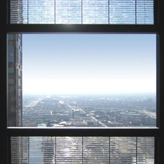Pythagoras Solar undertakes a pilot project to install solar windows on the Willis Tower (formerly the Sears Tower) in Chicago