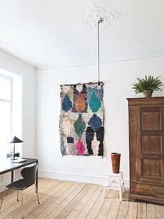 5 Wallet-Friendly Ways to Create Big, High-Impact Art | Apartment Therapy