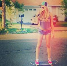 I like girls that can skate!!