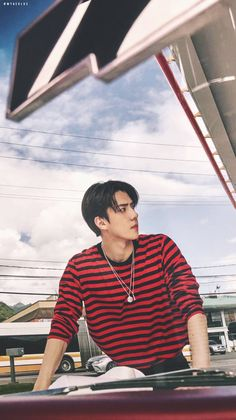 Oh my my tooooo handsome to handle. Baekhyun Chanyeol, Park Chanyeol, Sehun Hot, Exo Ot12, Chanbaek, K Pop, Z Cam, Kim Minseok, Xiuchen