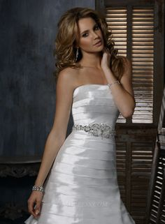 Maggie Sottero Alicia Bridal Gown (2011) (MS11_AliciaBG) 💟$339.99 from http://www.www.benemulti.com   #gown #maggie #bridalgown #weddingdress #wedding #sottero #alicia #bridal #mywedding