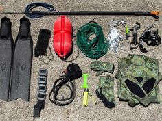 So you have been ogling those amazing videos and pictures on social media and have decided to get into spearfishing this summer. Cave Diving, Scuba Diving, Spearfishing Gear, Diving Equipment, Feather Tattoos, Summer Essentials, Snorkeling, Kayaking, Underwater