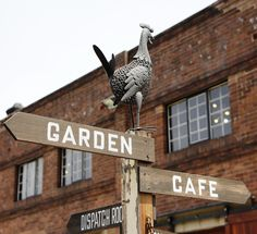 A 24-hour stop in Sydney led #FSJet passengers to the arts district of Surry Hills for a whimsical wander.