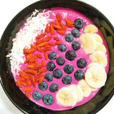 Peanut Butter Pitaya Smoothie Bowl