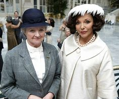 Miss Marple: They Do It with Mirrors. Starring Julia McKenzie as Marple, guest star Joan Collins as Ruth Van Rydock. Agatha Christie's Marple, Agatha Christie's Poirot, Hercule Poirot, Detective, Pbs Mystery, Masterpiece Mystery, Perfect English, Miss Marple, Souvenirs