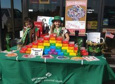 Girl Scout Cookie Booth for St. Patrick's Day - Scouts - #Booth #cookie #Day #Girl #Patrick39s #Scout #Scouts