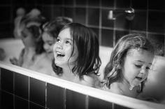 Compartir bañera es diversión asegurada gracias @nirphotography por partirlo #conmiradademadre seleccionada por @evixdealba
