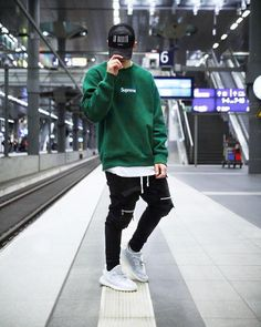 Best street outfit b Terno Casual, Casual Wear, Best Street Outfits, Hypebeast Outfit, Stylish Mens Outfits, Herren Outfit, Men Street, Casual Street Style, Mens Clothing Styles