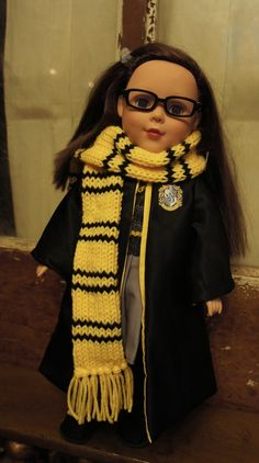 Here is a pattern I made up to knit a Hogwarts house scarf for your American Girl Doll! Mine is yellow and black for Hufflepuff but you can change the colors to any house colors you want: Red wit… Harry Potter Scarf, Harry Potter Dolls, American Girl Diy, American Girl Clothes, Baby Doll Clothes, Doll Clothes Patterns, Pixie, Baby Hats Knitting, Crochet Hats
