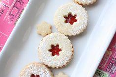 Ina Garten's wonderful recipe for Linzer Cookies - Munchkin Munchies Mini Desserts, Christmas Desserts, Holiday Treats, Christmas Baking, Just Desserts, Christmas Cookies, Delicious Desserts, No Bake Cookies, Cupcake Cookies