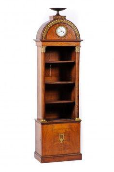 Curieuse bibliothèque étroite à montants colonnes ornés de chapiteaux de bronze. [...], Collections & Successions à Millon et Associés Paris   Auction.fr