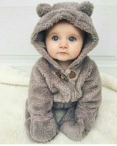 Baba - Children shared by Lucy Seymour on We Heart It baby babies image<br> So Cute Baby, Cute Baby Clothes, Cute Kids, Baby Boy Pictures, Baby Images, Cute Baby Pictures, Fashion Kids, Baby Girl Fashion, Fashion 2020