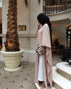 December 16 2019 at fashion-inspo Abaya Fashion, Uk Fashion, Modest Fashion, Unique Fashion, Fashion Clothes, Fashion Women, Fashion Design, Modern Hijab, Summer Dress Outfits