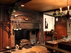 https://i.pinimg.com/736x/b4/53/75/b453759c039bdc51b9d67f07c1076596--primitive-fireplace-country-fireplace.jpg