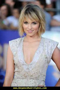 Short Hairstyles Dianna Agron Short Bob Hairstyles with Bangs Best Hairstyles Pictures for Short, Medium, Long and all best hairstyles collections. Short Haircuts With Bangs, Short Layered Haircuts, Short Bob Hairstyles, Celebrity Hairstyles, Layered Hairstyles, Beyonce Hairstyles, Short Bobs, Short Wavy, Short Hair With Layers