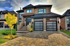 Maison à étages à vendre à Sainte-Rose (Laval) - 11317214 - BADR SIDQUI Condo, Rive Nord, Laval, Facade, Garage Doors, Mansions, House Styles, Outdoor Decor, Rose