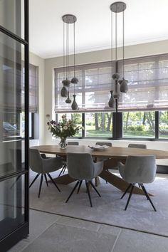 33 Lovely Contemporary Dining Room Design Ideas - The latest trends, the newest styles, ah, this is what makes the world go around. Contemporary dining room sets can help you to make a statement about. Country Dining Rooms, Dining Room Design, Dining Room Furniture, Interior, Dining Room Decor, Dining Room Lighting, House Interior, Modern Dining Room, Room Interior