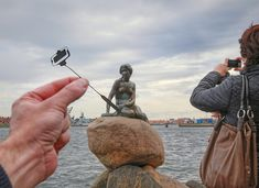 """The Little Mermaid taking a selfie; Hans Christian Anderson (who wrote the fairy tale)…"" Selfies, Photos Originales, Forced Perspective, Famous Architecture, Photos Voyages, Famous Landmarks, Foto Art, His Travel, Family Travel"