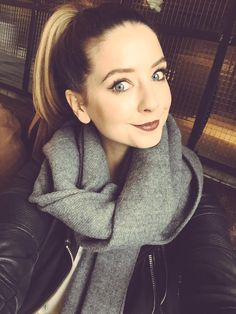 """""""Hey, I'm Zoe, i have a pretty rough past. My ex is Dan. I did some pretty unexplainable things. but I don't like to talk about that anymore. Zoella Makeup, Zoella Beauty, Hair Makeup, Hair Beauty, Zoella Style, Zoella Outfits, Zoe Sugg, Look At My, Beauty Youtubers"""