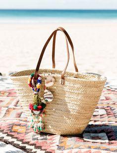 Le gri-gri de cabas, un accessoire estival que l'on n'hésite pas à ressortir à la rentrée !