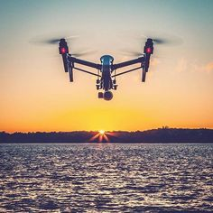 What's your favorite drone? This #sweet thing is the inspire 1 by DJI. Photo by @justensoule Tag a friend who likes to fly #dji #inspire1 #drones #dronestagram