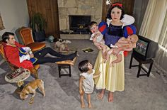 A brilliant project by photographer Dina Goldstein, a photo series called 'Fallen princesses', telling us there are no happy endings in real, modern life. Snow White raises kids in a boring life, Rapunzel has cancer while Ariel is exhibited in aquariums. Dina Goldstein, Serie Fallen, Walt Disney, Iconic Characters, Disney Characters, Disney Icons, Disney Movies, Tableaux Vivants, Wtf Fun Facts