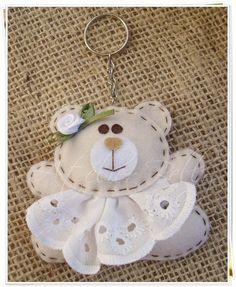 girl teddy keychain in felt Felt Diy, Felt Crafts, Fabric Crafts, Sewing Crafts, Sewing Projects, Hobbies And Crafts, Diy And Crafts, Arts And Crafts, Felt Christmas