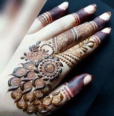Cute Spiral Henna Design