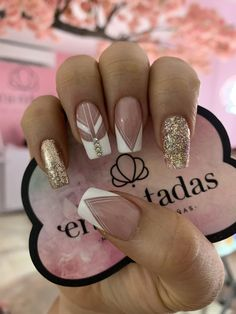 @encantadasnails French Nail Designs, Gel Nail Designs, Rose Nails, Sexy Nails, Luxury Nails, Powder Nails, Stylish Nails, Perfect Nails, French Nails
