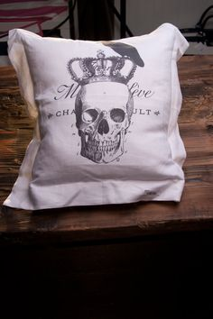 100 Linen Skull Vintage Crown Trendy Fashion by cameosandcrowns, $39.00