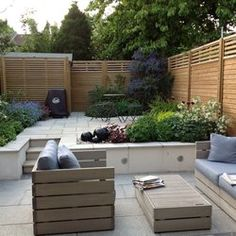 Tim Mackley Garden Design - London, United Kingdom. Split level contemporary courtyard garden