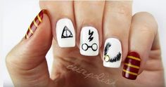 Bring Some Magic To Your Week With Simple Harry Potter Nail Art Potter Nagelkunst Bring Some Magic To Your Week With Simple Harry Potter Nail Art Harry Potter Nail Art, Harry Potter Nails Designs, Cute Harry Potter, Cute Nail Art, Nail Art Diy, Easy Nail Art, Simple Nail Art Designs, Cute Nail Designs, Maquillage Harry Potter